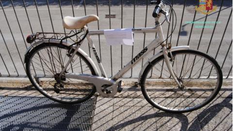 Senigallia: denunciato per furto di una bicicletta, un'ora dopo beccato di nuovo e denunciato per ricettazione